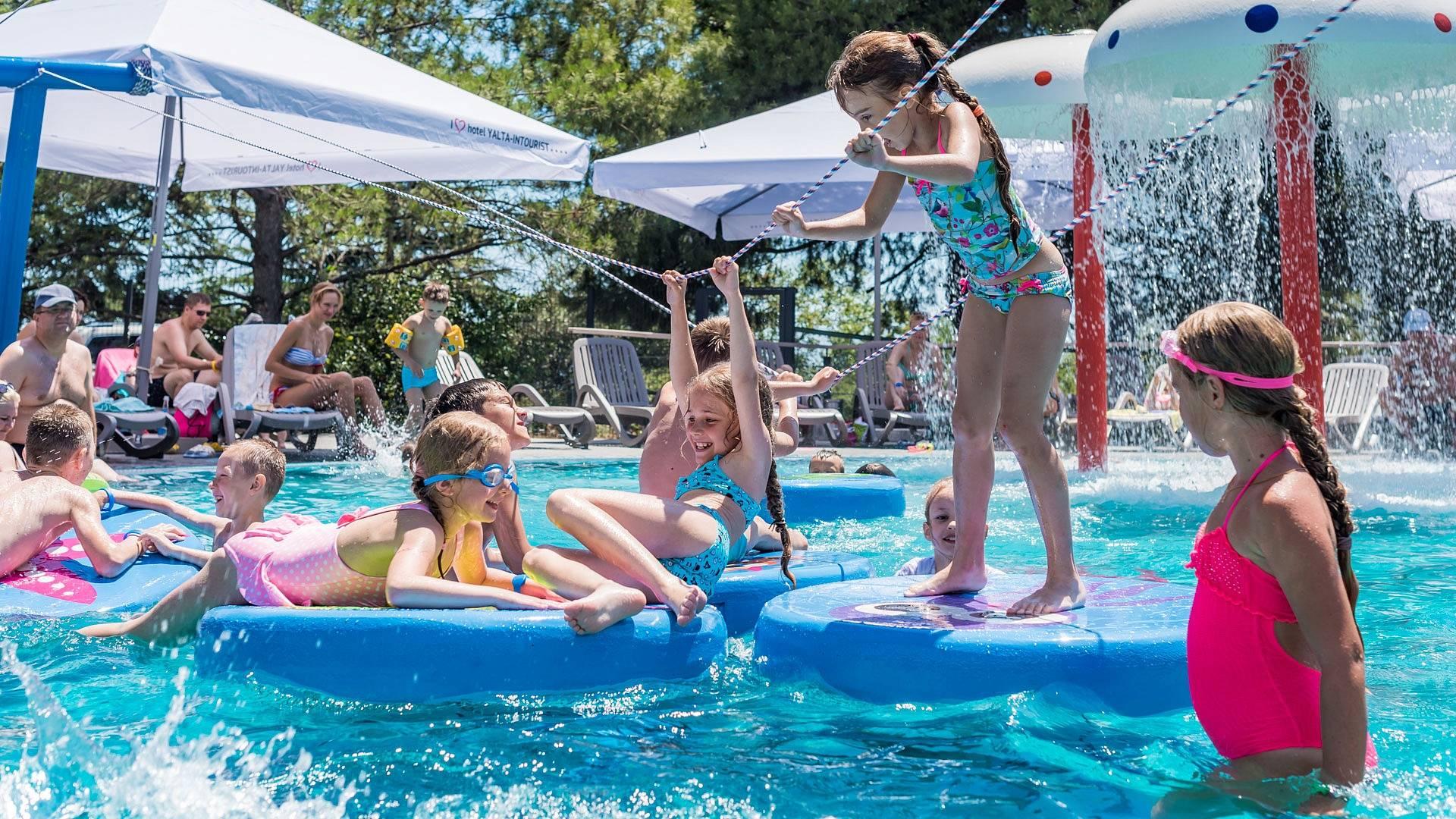 10 лучших отелей для отдыха с детьми